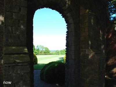 Hampden House arch location